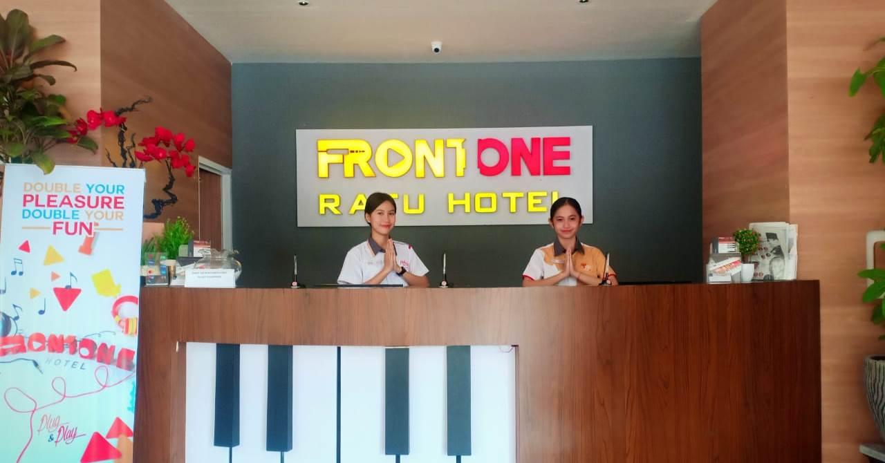 Front One Hotel Ratu Nganjuk